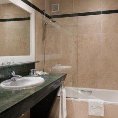 Отель Catalonia Puerta del Sol 4* Стандартный номер с двуспальной кроватью фото 5