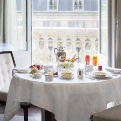 Hotel The Peninsula Paris 5* Улучшенный номер с различными типами кроватей фото 3