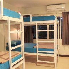 Ananas Phuket Central Hostel Кровать в женском общем номере фото 5