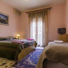 Отель B&B The Caponi Bros 3* Стандартный номер с двуспальной кроватью (общая ванная комната) фото 11