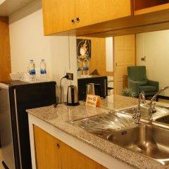 Отель Ratchadamnoen Residence 3* Улучшенные апартаменты с двуспальной кроватью фото 3