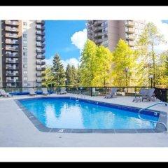 Отель Pelican Suites At Burnaby Канада, Бурнаби - отзывы, цены и фото номеров - забронировать отель Pelican Suites At Burnaby онлайн бассейн фото 3