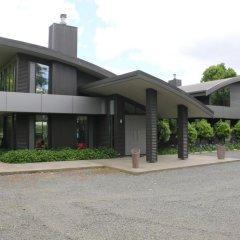 Отель Chestnut Glade Pavilions парковка