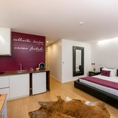 Отель Lounge Inn 3* Апартаменты разные типы кроватей фото 8