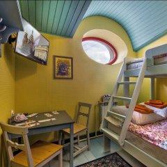 Гостиница Друзья у Дома Книги Номер Эконом с различными типами кроватей фото 3