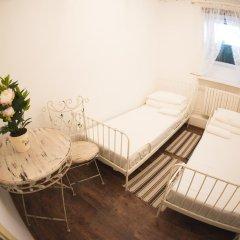 Хостел GOROD Патриаршие Номер с различными типами кроватей (общая ванная комната) фото 7