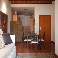 Апартаменты Margarit Apartment Барселона комната для гостей фото 5