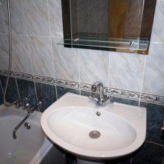 Апартаменты Apartment on Bagayeva Street ванная фото 2