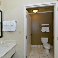 Отель Comfort Inn & Suites near Universal Orlando Resort 2* Стандартный номер с различными типами кроватей фото 2