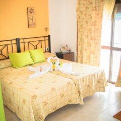 Отель Hostal Malia Испания, Кониль-де-ла-Фронтера - отзывы, цены и фото номеров - забронировать отель Hostal Malia онлайн комната для гостей фото 4