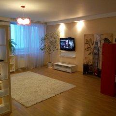 Апартаменты Apartment Red and White комната для гостей фото 2