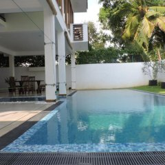 Отель Binnacle Negombo бассейн фото 2