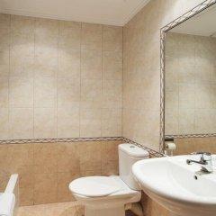 Отель Fira Guest House ванная фото 2