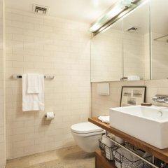 Отель onefinestay - Greenpoint private homes США, Нью-Йорк - отзывы, цены и фото номеров - забронировать отель onefinestay - Greenpoint private homes онлайн ванная фото 2