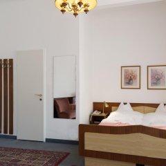 Отель Pension Neuer Markt 3* Номер Эконом с двуспальной кроватью (общая ванная комната) фото 5