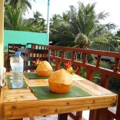 Отель Holiday Mathiveri Inn Мальдивы, Мадивару - отзывы, цены и фото номеров - забронировать отель Holiday Mathiveri Inn онлайн балкон