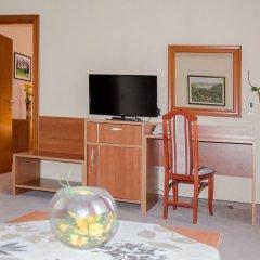 Hotel N 3* Улучшенные апартаменты с различными типами кроватей фото 21