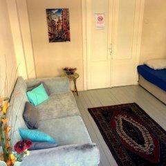 Levanten Hostel Стандартный семейный номер разные типы кроватей (общая ванная комната) фото 4