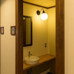 Отель Etchu Yatsuo Base OYATSU Япония, Тояма - отзывы, цены и фото номеров - забронировать отель Etchu Yatsuo Base OYATSU онлайн ванная