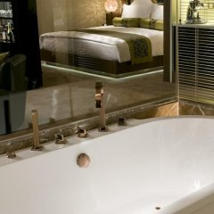 Отель Pudi Boutique Hotel Fuxing Park Shanghai Китай, Шанхай - отзывы, цены и фото номеров - забронировать отель Pudi Boutique Hotel Fuxing Park Shanghai онлайн ванная