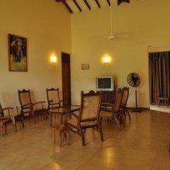 Отель Lake View Bungalow Yala 3* Шале с различными типами кроватей фото 12