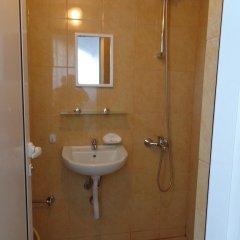 Отель Guest House Mariana Болгария, Балчик - отзывы, цены и фото номеров - забронировать отель Guest House Mariana онлайн ванная