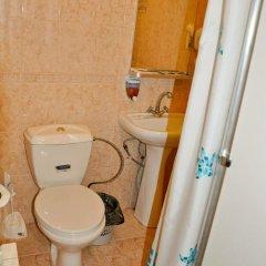 Гостиница Ростов Улучшенный номер двуспальная кровать фото 6