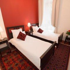 Гостиница Crossroads 3* Улучшенный номер с 2 отдельными кроватями фото 3