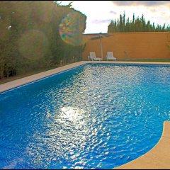 Отель Chalet Bungalow La Roa Испания, Кониль-де-ла-Фронтера - отзывы, цены и фото номеров - забронировать отель Chalet Bungalow La Roa онлайн бассейн