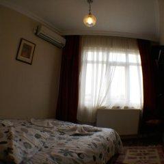 Metropolis Hostel & Guest House Стандартный номер двуспальная кровать (общая ванная комната)