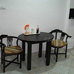 Отель Zak Residence Шри-Ланка, Коломбо - отзывы, цены и фото номеров - забронировать отель Zak Residence онлайн удобства в номере фото 2