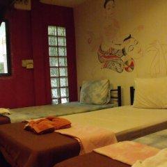 Отель Taewez Guesthouse Бангкок комната для гостей