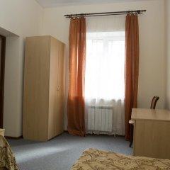 Гостиница Волга-Волга 3* Стандартный семейный номер с двуспальной кроватью
