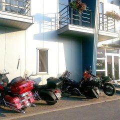 Unimars Hotel Riga парковка