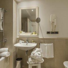 Отель Laurus Al Duomo 4* Стандартный номер с двуспальной кроватью фото 9