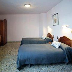 Отель Hostal la Carrasca Стандартный номер с 2 отдельными кроватями фото 4