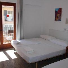 Отель Hostal Las Nieves Стандартный номер с различными типами кроватей фото 12
