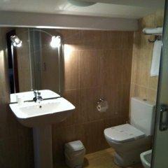 Отель Hostal Adelia 2* Стандартный номер с различными типами кроватей фото 6