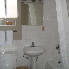 Отель Super 8 by Wyndham Los Angeles-Culver City Area 2* Стандартный номер с различными типами кроватей фото 4