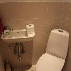 Отель Quiet Center Apartment Латвия, Рига - отзывы, цены и фото номеров - забронировать отель Quiet Center Apartment онлайн ванная