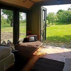 Отель Cob camp Ихтиман комната для гостей фото 2