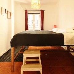 Отель Lisbon Story Guesthouse 3* Стандартный номер с двуспальной кроватью (общая ванная комната) фото 5