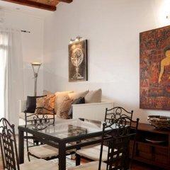 Апартаменты Margarit Apartment Барселона комната для гостей фото 4