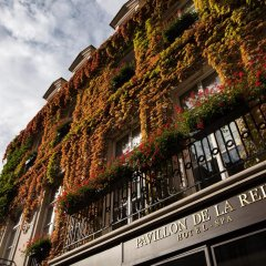 Отель Le Pavillon de la Reine Франция, Париж - отзывы, цены и фото номеров - забронировать отель Le Pavillon de la Reine онлайн приотельная территория