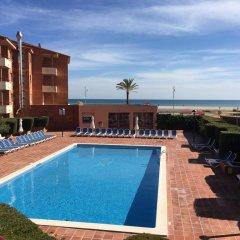 Отель Pierre & Vacances Comarruga бассейн