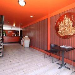 Отель Royal Pagoda Motel интерьер отеля