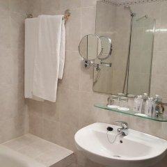 Отель Virgen de los Reyes Испания, Севилья - 2 отзыва об отеле, цены и фото номеров - забронировать отель Virgen de los Reyes онлайн ванная фото 2