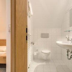 Hotel Gasthof Zur Post Унтерфёринг ванная