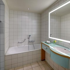 Отель Hilton Cologne ванная фото 7
