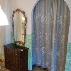 Отель Bed & Breakfast Santa Fara 3* Стандартный номер с двуспальной кроватью (общая ванная комната) фото 5